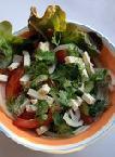 Салат с помидорами, фенхелем,  кальмарами