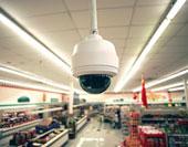 Камеры в супермаркетах следят за сохранностью товаров, а не кошельков покупателей